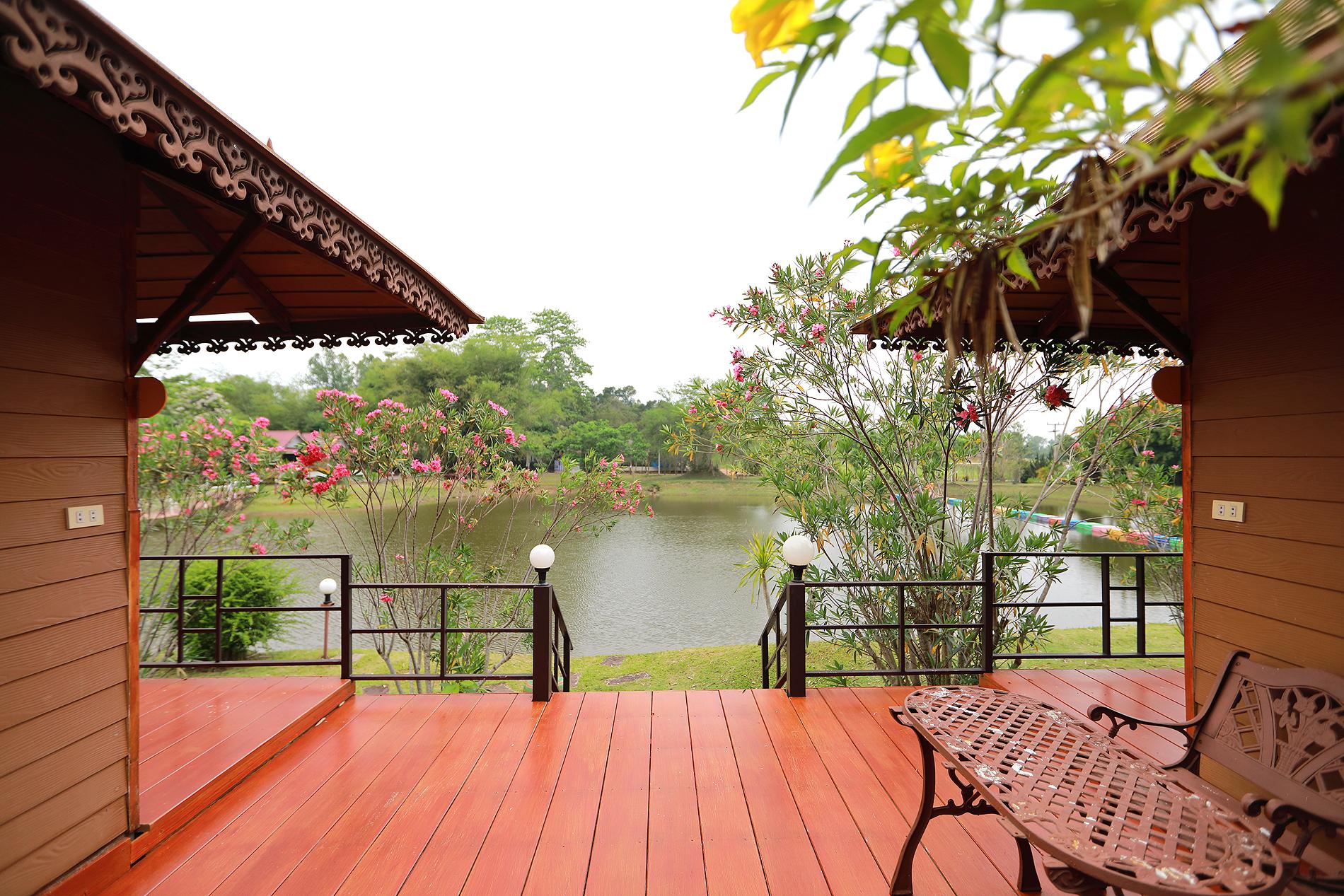 บ้านเรือนไทย 1-2